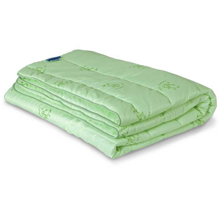Одеяло всесезонное Miotex Бамбук, наполнитель: волокно бамбука, цвет: зеленый, 140 х 205 смМБПЭ-15-3Стеганый чехол всесезонного одеяла Miotex Бамбук выполнен из полиэстера зеленого цвета с набивным рисунком в виде веточек бамбука. Наполнитель - волокно на основе бамбука. Бамбуковое одеяло обладает дезодорирущими и антибактериальными свойствами. Подходит людям, страдающим аллергией и астмой, так как совершенно гипоаллергенно. Под легким и теплым одеялом вам будет очень комфортно. Одеяло простегано и окантовано. Рекомендации по уходу: - Стирка запрещена. - Не гладить. Не применять обработку паром. - Химчистка в щадящем режиме. - Нельзя выжимать и сушить в стиральной машине. Характеристики: Материал чехла: 100% полиэстер. Наполнитель: волокно бамбука. Цвет: зеленый. Плотность: 300 г/м. Размер одеяла: 140 см х 205 см. Размер упаковки: 52 см х 52 см х 4 см. Артикул: МБПЭ-15-3. УВАЖАЕМЫЕ КЛИЕНТЫ! Обращаем ваше внимание на возможные изменения в цветовом дизайне рисунка.