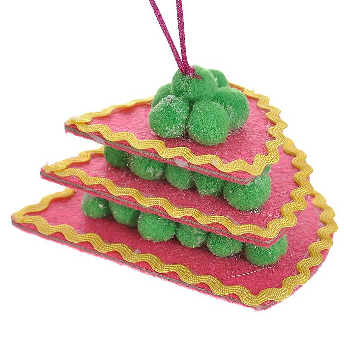 Новогоднее подвесное украшение Торт, цвет: розовый. 2536325363Оригинальное подвесное украшение «Торт» прекрасно подойдет для праздничного декора дома и новогодней ели. Украшение выполнено из полиэстера в виде треугольного торта и оформлено блестками. С помощью атласной ленточки его можно повесить в любом понравившемся вам месте. Но, конечно, удачнее всего такая игрушка будет смотреться на праздничной елке. Елочная игрушка - символ Нового года. Она несет в себе волшебство и красоту праздника. Создайте в своем доме атмосферу веселья и радости, украшая новогоднюю елку нарядными игрушками, которые будут из года в год накапливать теплоту воспоминаний. Коллекция декоративных украшений из серии Magic Time принесет в ваш дом ни с чем несравнимое ощущение волшебства!