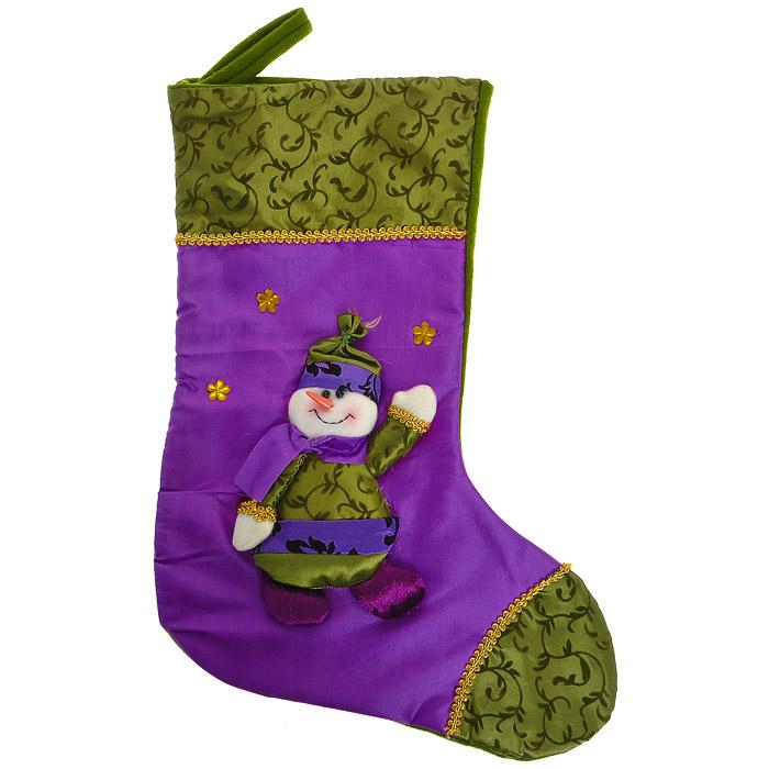 Новогоднее подвесное украшение Носок, цвет: фиолетовый, зеленый. 2652226522Оригинальное новогоднее украшение выполнено из текстиля в виде носка для подарков и оформлено аппликацией с изображением снеговика. Носок расшит золотистой тесьмой и декорирован стразами. Вы можете подвесить его в любом месте, где оно будет удачно смотреться, и радовать глаз. Кроме того, это украшение - отличный вариант подарка для ваших близких и друзей. Новогодние украшения приносят в дом волшебство и ощущение праздника. Создайте в своем доме атмосферу веселья и радости, украшая всей семьей новогоднюю елку нарядными игрушками, которые будут из года в год накапливать теплоту воспоминаний. Коллекция декоративных украшений из серии Magic Time принесет в ваш дом ни с чем несравнимое ощущение волшебства!