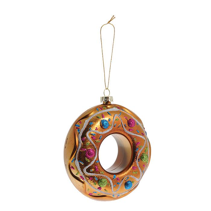 Новогоднее подвесное украшение Бублик, цвет: золотистый. 2591425914Оригинальное новогоднее украшение выполнено из пластика в виде бублика, украшенного блестками. С помощью специальной петельки украшение можно повесить в любом понравившемся вам месте. Но, конечно же, удачнее всего такая игрушка будет смотреться на праздничной елке. Новогодние украшения приносят в дом волшебство и ощущение праздника. Создайте в своем доме атмосферу веселья и радости, украшая всей семьей новогоднюю елку нарядными игрушками, которые будут из года в год накапливать теплоту воспоминаний. Коллекция декоративных украшений из серии Magic Time принесет в ваш дом ни с чем несравнимое ощущение волшебства!