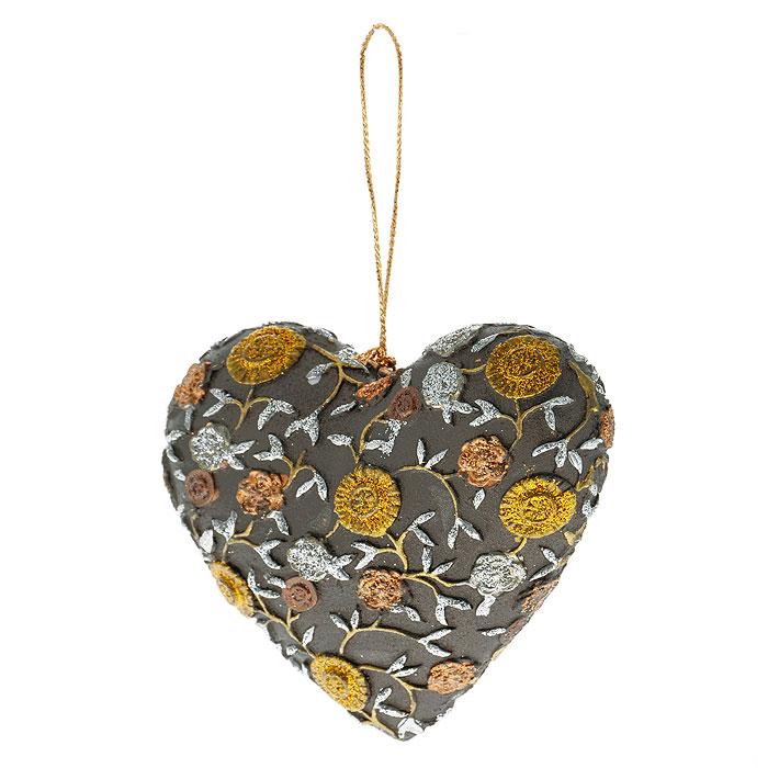 Новогоднее подвесное украшение Сердце, цвет: коричневый, золотистый. 2542925429Оригинальное новогоднее украшение выполнено из пластика в виде сердечка, украшенного рельефными цветами и блестками. С помощью специальной петельки украшение можно повесить в любом понравившемся вам месте. Но, конечно же, удачнее всего такая игрушка будет смотреться на праздничной елке. Новогодние украшения приносят в дом волшебство и ощущение праздника. Создайте в своем доме атмосферу веселья и радости, украшая всей семьей новогоднюю елку нарядными игрушками, которые будут из года в год накапливать теплоту воспоминаний. Коллекция декоративных украшений из серии Magic Time принесет в ваш дом ни с чем несравнимое ощущение волшебства!