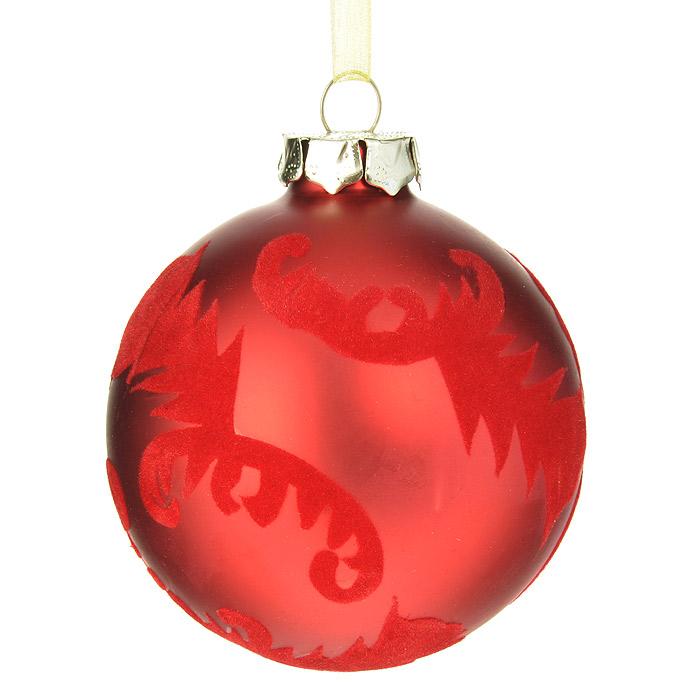 Новогоднее подвесное украшение Шар, цвет: красный. 3051430514Подвесное украшение «Шар» прекрасно подойдет для праздничного декора новогодней ели. Украшение выполнено из стекла и оформлено изящными узорами из бархатистой ткани. Шар оснащен текстильной ленточкой желтого цвета. Елочная игрушка - символ Нового года. Она несет в себе волшебство и красоту праздника. Создайте в своем доме атмосферу веселья и радости, украшая новогоднюю елку нарядными игрушками, которые будут из года в год накапливать теплоту воспоминаний. Коллекция декоративных украшений из серии Magic Time принесет в ваш дом ни с чем несравнимое ощущение волшебства! Характеристики: Материал: стекло, текстиль. Цвет: красный. Диаметр украшения: 8 см. Размер упаковки: 9,5 см х 9,5 см х 9 см. Артикул: 30514.