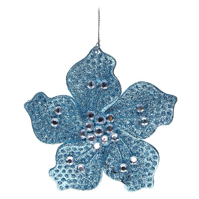 Новогоднее подвесное украшение Цветочек, цвет: голубой. 3064730647Новогоднее украшение Цветочек отлично подойдет для декорации вашего дома и новогодней ели. Игрушка сделана из пластика в виде цветочка, декорированного блестками и стразами. Елочная игрушка - символ Нового года. Она несет в себе волшебство и красоту праздника. Создайте в своем доме атмосферу веселья и радости, украшая всей семьей новогоднюю елку нарядными игрушками, которые будут из года в год накапливать теплоту воспоминаний. Характеристики: Материал: пластик, стразы. Размер украшения: 14 см х 14 см х 0,5 см. Цвет: голубой. Артикул: 30647. Производитель: Китай.