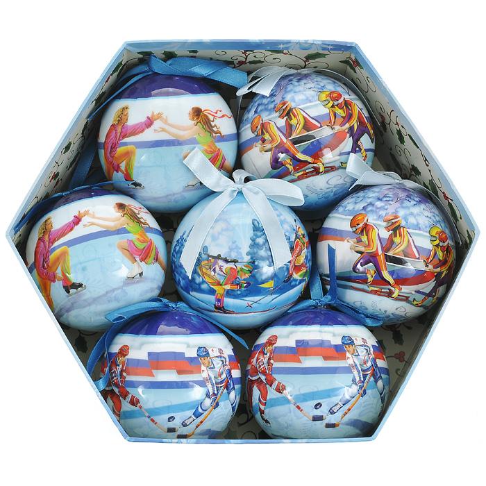 Набор новогодних подвесных украшений Спорт, диаметр 7,5 см, 7 шт. 2035220352Набор подвесных украшений Спорт состоит из семи новогодних шаров. Украшения выполнены из пластика в виде шаров, декорированных ручной художественной росписью и покрытых лаком. Благодаря плотному корпусу изделия никогда не разобьются, поэтому вы можете быть уверены, что они прослужат вам долгие годы. На каждом шарике из набора изображены различные зимние виды спорта. Такой набор елочных игрушек может стать отличным и незабываемым подарком. Набор упакован в подарочную шестиугольную коробку. Откройте для себя удивительный мир сказок и грез. Почувствуйте волшебные минуты ожидания праздника, создайте новогоднее настроение вашим дорогим и близким.