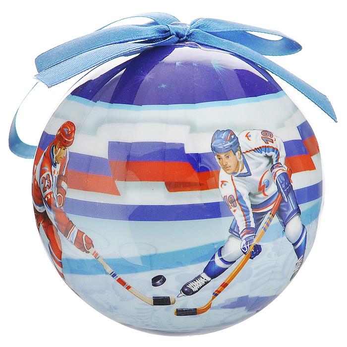 Елочное украшение Шар. Хоккей, диаметр 10 см. 2034720347Оригинальное подвесное украшение Шар. Хоккей, выполненное из пластмассы, прекрасно подойдет для праздничного декора новогодней ели. Благодаря плотному корпусу изделие никогда не разобьется, поэтому вы можете быть уверены, что оно прослужит вам долгие годы. С помощью атласной ленточки синего цвета украшение можно повесить на праздничную елку. Елочная игрушка - символ Нового года. Она несет в себе волшебство и красоту праздника. Создайте в своем доме атмосферу веселья и радости, украшая новогоднюю елку нарядными игрушками, которые будут из года в год накапливать теплоту воспоминаний.