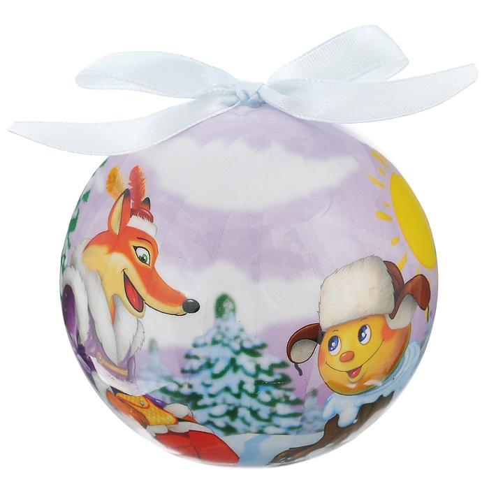 Елочное украшение Шар. Колобок, диаметр 10 см. 2034420344Оригинальное подвесное украшение Шар. Колобок прекрасно подойдет для праздничного декора новогодней ели. Украшение, выполненное из пластмассы, оформлено красочным изображением колобка и хитрой лисички. Благодаря плотному корпусу изделие никогда не разобьется, поэтому вы можете быть уверены, что оно прослужит вам долгие годы. С помощью атласной ленточки голубого цвета украшение можно повесить на праздничную елку. Елочная игрушка - символ Нового года. Она несет в себе волшебство и красоту праздника. Создайте в своем доме атмосферу веселья и радости, украшая новогоднюю елку нарядными игрушками, которые будут из года в год накапливать теплоту воспоминаний.