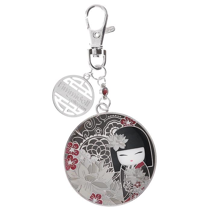Карманное зеркало-брелок Kimmidoll Тацуми (Лидерство). KF0843KF0843Карманное зеркало-брелок Kimmidoll Тацуми (Лидерство) выполнено из металла, с внешней стороны украшено рисунком очаровательной куколки Тацуми. На оборотной стороне имеется зеркальце. Зеркало-брелок, украшенное дополнительной подвеской и стразом, поместится практически в любую косметичку, кармашек или клатч. Также его можно одеть на ключи или сумочку. Изделие упаковано в подарочную коробку. Карманное зеркальце-брелок с застежкой-карабином - необычный и очень приятный подарок подруге, маме или коллеге. Привет, меня зовут Тацуми! Мой дух напористый и убедительный. Ваше сильное лидерское качество и способность вести за собой других - призывает мой дух. Пусть ваши усилия всегда приносят результат и благополучие в вашу жизнь и в жизни тех, кто вам помогает. Характеристики: Материал: металл, зеркало, стразы. Длина зеркала-брелока (с учетом карабина): 11 см. Диаметр зеркала-брелока: 5 см. Размер упаковки: 14 см х 9,5 см х 2 см. Производитель: ...
