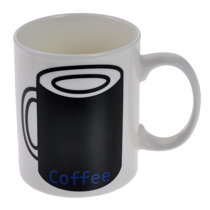 Кружка Coffee Like, меняющая рисунок, цвет: белый94917Кружка Coffee Like выполнена из высококачественной керамики белого цвета с рисунком черной кружки и надписью Coffee. Как только вы зальете в кружку горячую воду, рисунок изменится: вместо кружки появится рука с жестом Like. Такая кружка поднимет вам настроение и вызовет улыбку у окружающих. Подходит для использования в микроволновой печи. Нельзя использовать в посудомоечной машине, только ручная мойка. Безопасно для пищевых продуктов.