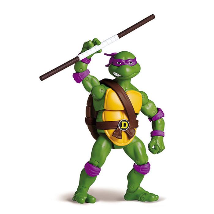 Фигурка Turtles Донателло, 15 см91082Фигурка Turtles Донателло станет прекрасным подарком для вашего ребенка. Она выполнена из прочного пластика в виде персонажа команды TMNT - Черепашки-Ниндзя Донателло. Голова, руки и ноги фигурки подвижны, 34 точки артикуляции позволяют придавать Донателло различные позы. В комплект входят подставка в виде люка и его оружие - шест-бо. Ваш ребенок будет часами играть с этой фигуркой, придумывая различные истории с участием любимого героя. Они подверглись мутации и обучались искусству ниндзюцу у великого сэнсэя Сплинтера. Черепашки-Ниндзя готовы выбраться из своего секретного убежища и спасти мир от сил зла! Черепашки-Ниндзя впервые появились на страницах комиксов в далеких 80-х. Черепашки перебрались на телевидение по воле студии Murakami-Wolf-Swenson (MWS) и продолжали радовать своих поклонников в течение десяти лет (1987-1996). 5 лет подряд были признаны сериалом №1. За это время было показано более 190 эпизодов, а озорные и веселые герои успели покорить...