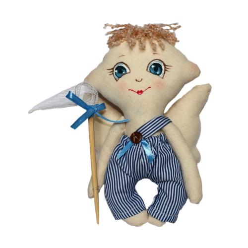 Набор для изготовления текстильной игрушки Сережка, высота 22 смAM100013В наборе для изготовления текстильной игрушки Сережка есть все необходимое для создания куклы в стиле Tilda: ткань для тела игрушки (100% хлопок), ткань для одежды (100% хлопок), декоративные элементы, пуговицы, нитки для волос, ленточки, кружево, украшения, инструмент для набивки игрушки, выкройка, инструкция на русском языке. Вам потребуется: суперпух для набивки, нитки, иголка. По желанию, вы можете использовать акриловые краски для прорисовки лица игрушки, кофе растворимый, клей ПВА (для тонирования игрушки). Текстильные куклы популярны во всем мире - их коллекционируют, украшают ими дом. Интерьерная кукла или просто забавная примитивная игрушка ручной работы может стать украшением дома и оригинальным подарком, который несет в себе любовь и тепло человеческих рук. Эти куклы могут быть абсолютно разными, но все они очень нежные и уютные! Это не только увлекательное занятие, как для взрослых, так и для детей, но и возможность самовыражения, отдых и милые...