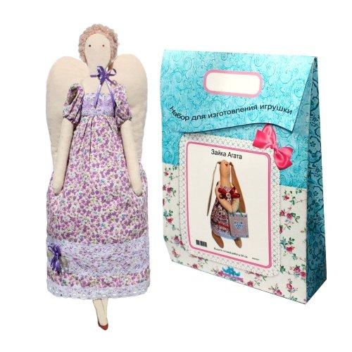 Подарочный набор для изготовления текстильной игрушки Ангелина, 42 смAM200015В наборе для изготовления текстильной игрушки Ангелина есть все необходимое для создания куклы в стиле Tilda: ткань для тела игрушки (100% хлопок), ткань для одежды (100% хлопок), декоративные элементы, пуговицы, нитки для волос, ленточки, кружево, украшения, суперпух и инструмент для набивки игрушки, выкройка, инструкция на русском языке. Вам потребуется: нитки, иголка. По желанию, вы можете использовать акриловые краски для прорисовки лица игрушки, кофе растворимый, клей ПВА (для тонирования игрушки). Необычайной красоты мягкая игрушка в виде симпатичной текстильной куклы в платьице в цветочек, сделанная своими руками, привлечет к себе внимание и будет потрясающе смотреться в интерьере вашего помещения, особенно в интерьере детской комнаты. Текстильные куклы популярны во всем мире - их коллекционируют, украшают ими дом. Интерьерная кукла или просто забавная примитивная игрушка ручной работы может стать украшением дома и оригинальным подарком, который несет в...