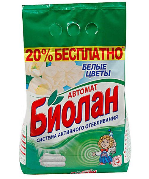 Стиральный порошок Биолан Белые цветы, 6 кг88-4Стиральный порошок Биолан Белые цветы предназначен для стирки, замачивания и отбеливания изделий из хлопчатобумажных, льняных, синтетических тканей, а также тканей из смешанных волокон. Не предназначен для стирки изделий из шерсти и натурального шелка. Порошок имеет пониженное пенообразование, содержит биодобавки и перекисные соли. Эффективно отстирывает загрязнения, придает вашему белью ослепительную белизну и нежный цветочный аромат. Подходит для стиральных машин любого типа и ручной стирки.