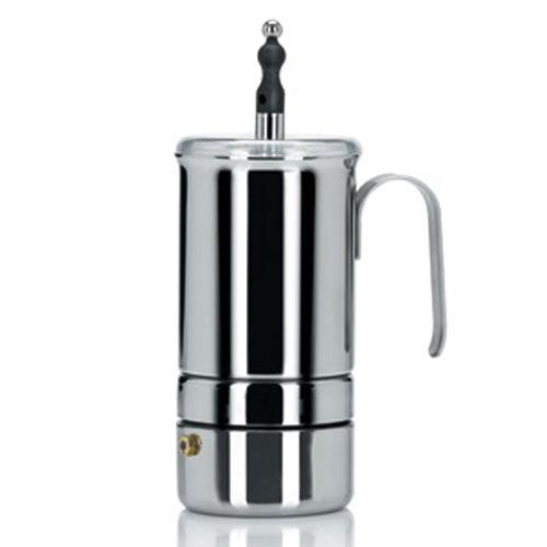 Кофеварка-каппучинер гейзерная Espresso, на 2 чашки. 52115211Гейзерная кофеварка-каппучинер Espresso изготовлена из высококачественной нержавеющей стали и снабжена удобной ручкой. Кофеварка оснащена фильтром-взбивалкой из нержавеющей стали, а также пластиковой крышкой и кнопкой. Гейзерная кофеварка делится на две части, которые разделяет фильтр. В нижнюю часть аппарата заливается вода, а кофе засыпается в фильтр. Вода, закипая, начинает подниматься и проходит сквозь фильтр в верхнюю часть кофеварки. Для кофеварок гейзерного типа не рекомендуется использовать слишком мелкий помол кофейных зерен, так как быстро забивается фильтр, и вода с трудом проходит сквозь него. С помощью фильтра-взбивалки можно удобно взбить молоко. Подходит для использования на газовых, электрических и стеклокерамических плитах, не рекомендуется мыть в посудомоечной машине и использовать посуду в микроволновых печах. Уникальная и оригинальная кофеварка-каппучинер Espresso сочетает в себе изысканный дизайн, неповторимую эстетику и...
