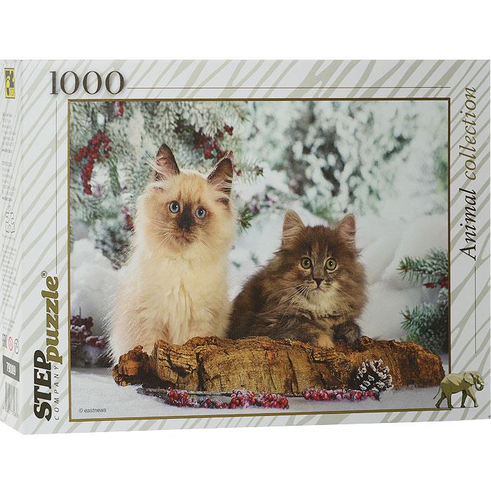 Кошки. Пазл, 1000 элементов79089Пазл Кошки - это коллекционный подарочный пазл из серии «Animal collection». Он подарит Вам праздничное настроение. Собрав его, вы получите изображение пары кошек на фоне зимнего пейзажа. Пазл в жесткой стильной упаковке, по которой вы без труда узнаете пазлы из коллекционной серии «Животные». Пазл - великолепная игра для семейного досуга. Сегодня собирание пазлов стало особенно популярным, главным образом, благодаря своей многообразной тематике, способной удовлетворить самый взыскательный вкус. А для детей это не только интересно, но и полезно. Собирание пазла развивает мелкую моторику у ребенка, тренирует наблюдательность, логическое мышление, знакомит с окружающим миром, с цветом и разнообразными формами. Рекомендуем Вам приобрести специальный клей для пазлов. Клей скрепляет пазл, придает ему сходство с цельной картиной.