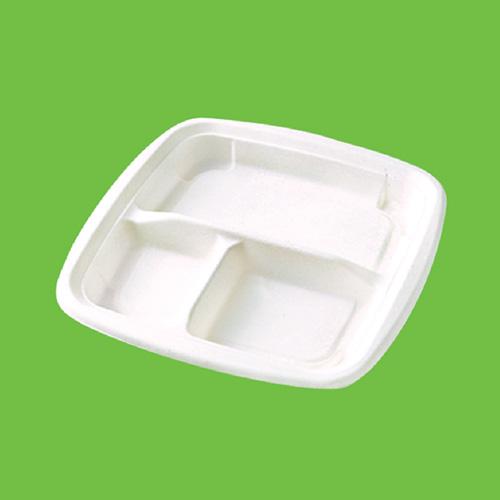 Набор тарелок Gracs, биоразлагаемых, трехсекционных, цвет: белый, 19 см х 19 см, 10 штT021Набор Gracs состоит из 10 биоразлагаемых квадратных тарелок, выполненных из экологически чистого материала - сахарного тростника. Материал не содержит токсинов и канцерогенов. Тарелки имеют три секции. Набор Gracs можно использовать как для холодных, так и для горячих продуктов. Набор можно использовать в микроволновой печи. Одноразовая биоразлагаемая посуда Gracs- полезно для здоровья, безопасно для окружающей среды! Размер тарелки: 19 см х 19 см х 2 см.