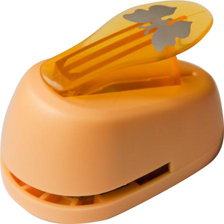 Дырокол фигурный Hobbyboom Бабочка, №327, цвет: желтый, 1,8смCD-99S-327Фигурный дырокол Hobbyboom Бабочка предназначен для создания творческих работ в технике скрапбукинг. С его помощью можно оригинально оформить открытки, украсить подарочные коробки, конверты, фотоальбомы. Дырокол вырезает из бумаги идеально ровные фигурки в виде бабочек, также используется для прорезания фигурных отверстий в бумаге. Предназначен для бумаги определенной плотности - до 200 г/м2. При применении на бумаге большей плотности или на картоне дырокол быстро затупится. Чтобы заточить нож компостера, нужно прокомпостировать самую тонкую наждачку. Чтобы смазать режущий механизм - парафинированную бумагу. Порядок работы: вставьте лист бумаги или картона в дырокол и надавите рычаг. Размер вырезаемой части: 1,5 см х 1,3 см.