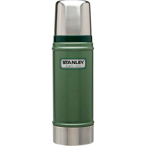 Термос Stanley Classic Vacuum Bottle, цвет: зеленый, 0,7 л10-01612-009Термос Stanley Classic Vacuum Bottle выполнен из нержавеющей стали и прекрасно подойдет для транспортировки напитков. Он удерживает тепло и холод на протяжении 18 часов и будет незаменим во время путешествий, поездок на пикник или на дачу. Особенности термоса Термос Stanley Classic Vacuum Bottle: - наружное покрытие - абразивостойкая эмаль; - корпус и внутренняя колба выполнены из нержавеющей стали; - вакуумная изоляция; - герметичность; - крышка-термостакан. Гарантийный срок 5 лет. Возврат товара возможен только через сервисный центр. Гарантийный центр: м. ВДНХ, Ботанический сад 129223, г. Москва, Проспект Мира, 119, ВВЦ, строение 323 +7 495 974 3494 service@omegatool.ru Время работы сервисного центра: Пн-чт: 10.00-18.00 Пт: 10.00- 17.00 Сб, Вс: выходные дни
