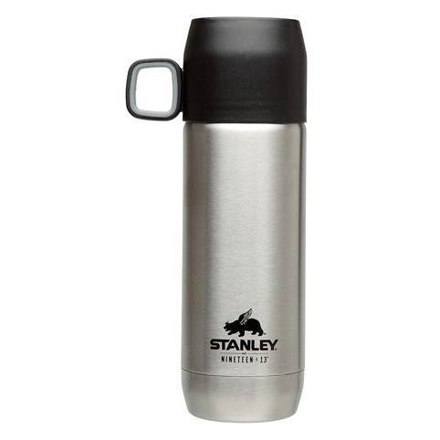 Термос Stanley Nineteen 13 Vacuum Flask, цвет: стальной, 0,47 л10-01041-037Термос Stanley Nineteen 13 Vacuum Flask отлично подойдет для горячих и холодных жидкостей. Благодаря вакуумной колбе термос удерживает тепло на протяжении 6 часов и сохраняет холод в течении 15 часов. Особенности термоса: - корпус и внутренняя колба изготовлены из нержавеющей стали, - термочашка с ручкой объемом 0,18 л, - термос герметичен. Размер термоса: 9 см х 6 см х 23,5 см. Гарантийный срок 5 лет. Возврат товара возможен только через сервисный центр. Гарантийный центр: м. ВДНХ, Ботанический сад 129223, г. Москва, Проспект Мира, 119, ВВЦ, строение 323 +7 495 974 3494 service@omegatool.ru Время работы сервисного центра: Пн-чт: 10.00-18.00 Пт: 10.00- 17.00 Сб, Вс: выходные дни