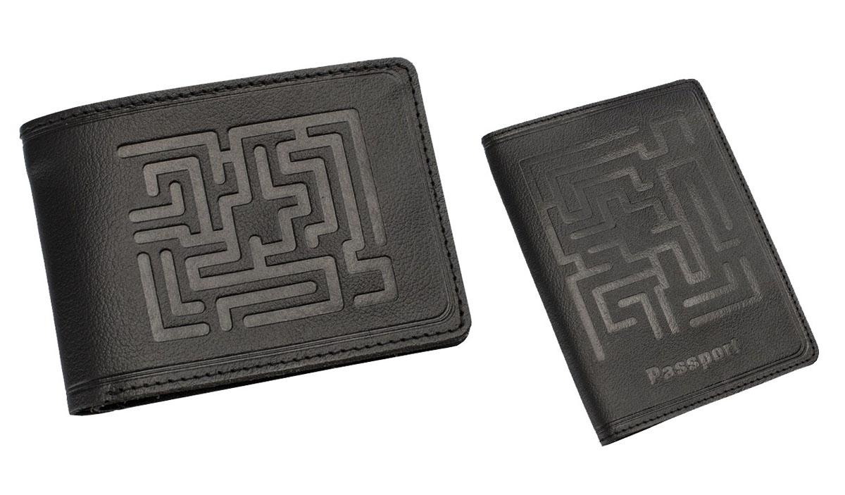 Подарочный набор Befler Лабиринт: обложка для паспорта, портмоне, цвет: черный. O.45.-7/PM.38.-7O.45.-7.черн/PM.38.-7.черПодарочный набор Лабиринт включает в себя обложку для паспорта и портмоне. Обложка для паспорта Befler черного цвета не только поможет сохранить внешний вид ваших документов и защитить их от повреждений, но и станет стильным аксессуаром, идеально подходящим вашему образу. Обложка выполнена из натуральной кожи и оформлена декоративным тиснением Лабиринт и надписью Passport. Внутри два узких вертикальных кармана. Портмоне упаковано в коробку с фирменным логотипом. Такое портмоне станет замечательным подарком человеку, ценящему качественные и практичные вещи.