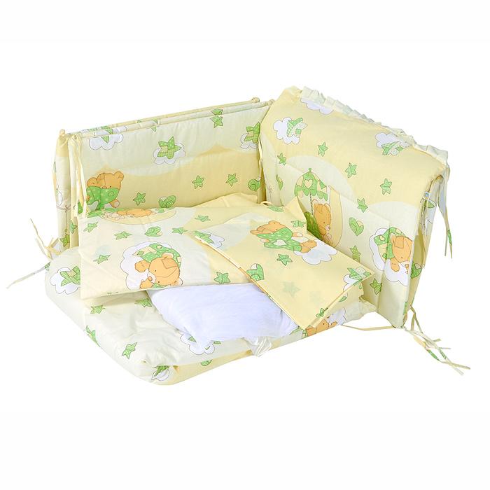 Комплект в кроватку Мишкин сон, цвет: бежевый, зеленый, 7 предметов703/4Комплект в кроватку Мишкин сон прекрасно подойдет для кроватки вашего малыша, добавит комнате уюта и согреет в прохладные дни. В качестве материала верха использован натуральный хлопок, мягкая ткань не раздражает чувствительную и нежную кожу ребенка и хорошо вентилируется. Бампер, подушка и одеяло наполнены холлконом - экологически безопасным гипоаллергенным синтетическим материалом, обладающим высокими теплозащитными свойствами. Элементы комплекта оформлены изображениями симпатичных медвежат. Комплект состоит из: бампера с несъемными чехлами, балдахина с сеткой, подушки с клапаном, одеяла, пододеяльника, наволочки, простыни. Для производства изделий Сонный гномик используются только высококачественные ткани ведущих мировых производителей. Благодаря особым технологиям сбора и переработки хлопка сохраняется естественная природная структура волокна. Характеристики: Материал: бязь,...