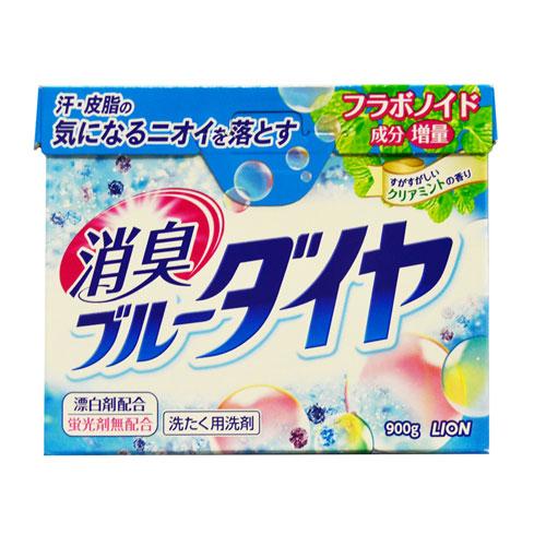 Стиральный порошок Lion Blue Diamond, 900 г19368Высокоэкономичный стиральный порошок предназначен для ручной и автоматической стирки белья из хлопка, синтетики и смешанных тканей. Содержит ферментный отбеливатель, который безопасен даже для цветного белья, а также антибактериальные компоненты, устраняющие неприятные запахи. Эффективно выводит масляные и белковые пятна. Отлично справляется с самыми трудными загрязнениями уже при 30°С. Компоненты, придающие аромат, глубоко проникают в волокна ткани и придают белью и вещам нежный аромат луговых трав. Порошок легко растворяется в воде. Экологически чистое средство! В случае сильных загрязнений, а также при большом объеме белья, количество используемого порошка можно увеличить на 10%. Порошок укомплектован мерной ложечкой! ВНИМАНИЕ! Порошок содержит флуоресцирующий усилитель белизны, поэтому не подходит для стирки тканей с незакрепленными красителями и тканей светлых тонов.