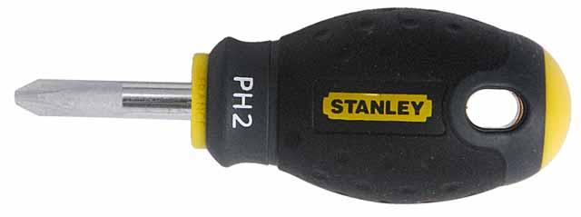 Отвертка крестовая Stanley FatMax, PH2 х 30 мм1-65-407Отвертка крестовая Stanley FatMax предназначена для монтажа/демонтажа резьбовых соединений с применением значительных усилий. Особенности: Стержень изготовлен из хромованадиевой стали для высокой прочности и уменьшения вероятности сколов; Рукоятка отлита поверх стержня, что образует практически неразрушимое соединение деталей; Большая удобная рукоятка обеспечивает большой момент и максимальный комфорт при работе; Сужение рукоятки обеспечивает более высокий уровень контроля отвертки, когда требуется повышенная скорость и точность прикладываемого момента; Дробеструйная обработка помогает защитить жало от коррозии и прикладывать больший момент; Гладкий куполовидный край рукоятки обеспечивает высокую скорость и комфорт при работе; Цветовая маркировка рукоятки помогает правильно идентифицировать тип отвертки под соответствующий шлиц.