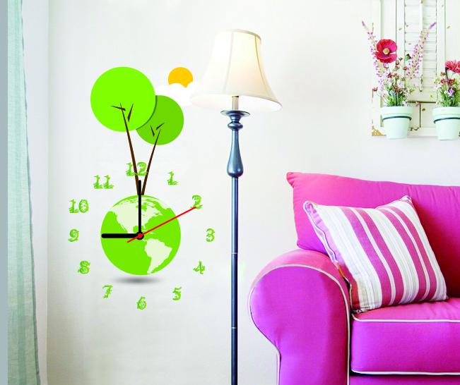 Настенные декоративные часы-стикеры Perfecto Зеленая планета. GLM-T001GLM-T001Настенные декоративные часы-стикеры Зеленая планета в виде земного шара добавят в интерьер вашего дома оригинальности. Часы представляют собой стикер, выполненный из винила - тонкого эластичного материала, который хорошо прилегает к любым гладким и чистым поверхностям, легко моется и долго держится, после удаления не оставляет следов. Циферблат выполнен из плотного картона и имеет три стрелки - часовую, минутную и секундную, клеится к поверхности также при помощи стикера. Такие часы станут интересным дизайнерским решением не только спальни, гостиной или детской, но также и офиса. Характеристики: Материал: винил, пластик, картон. Цвет: зеленый, белый. Диаметр циферблата: 9,5 см. Размер упаковки: 18,5 см х 32 см х 4 см. Артикул: GLM-T001. Рекомендуется докупить одну батарейку типа АА, в комплект не входит.