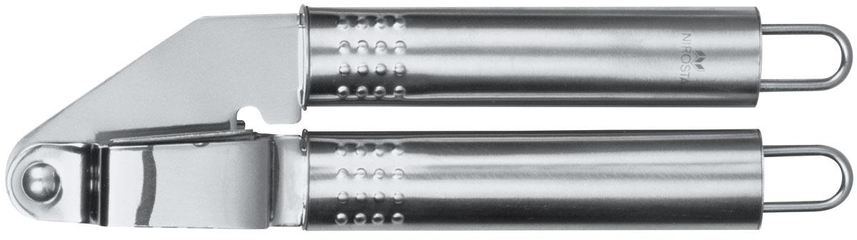 Пресс для чеснока Nirosta40445Пресс для чеснока Fackelmann Nirosta изготовлен из высококачественной нержавеющей стали. Благодаря простой и надежной конструкции позволяет без особых усилий измельчить дольки чеснока без остатка. После использования отверстия легко прочищаются. Удобные нескользящие ручки.