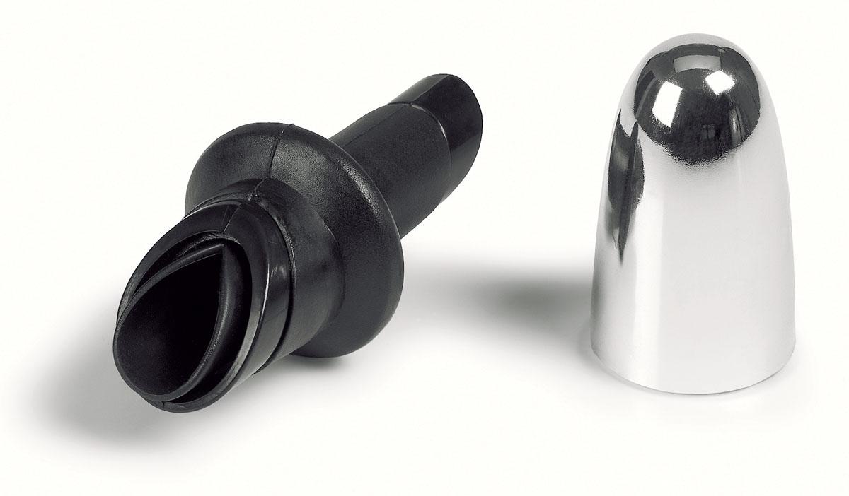 Насадка для бутылки Fackelmann с колпачком. 4946849468Насадка для бутылки Fackelmann выполнена из резины и хромированного пластика. Насадка оснащена удобным носиком для розлива, который плотно закрывается пластиковым колпачком. Насадка предназначена для установки на горлышко бутылок. Хранить бутылку можно уже с насадкой. С насадкой дозировать жидкость станет намного удобнее, а узкий носик не даст жидкости пролиться.