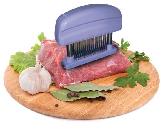 Размягчитель мяса Bio Vie, цвет: лавандаBV1075Размягчитель мяса Bio Vie - это ручной аппарат для приготовления высококачественных отбивных. Подходит для всех видов мяса, курицы и птицы. Улучшает вкус и текстуру, не нарушая внешнего вида. Размягчитель имеет 48 зубцов из нержавеющей стали и прозрачную насадку для безопасного хранения, корпус из пластика цвета лаванды оснащен выемками для удобного использования. Такой размягчитель непременно пригодится на любой кухне: он сделает процесс приготовления отбивных намного проще, а мясо получится вкуснее. Характеристики: Материал: пластик, нержавеющая сталь. Цвет: лаванда. Размер размягчителя (ДхШхВ): 15 см х 3 см х 11 см. Размер упаковки: 12 см х 15,5 см х 4 см. Артикул: BV1075.