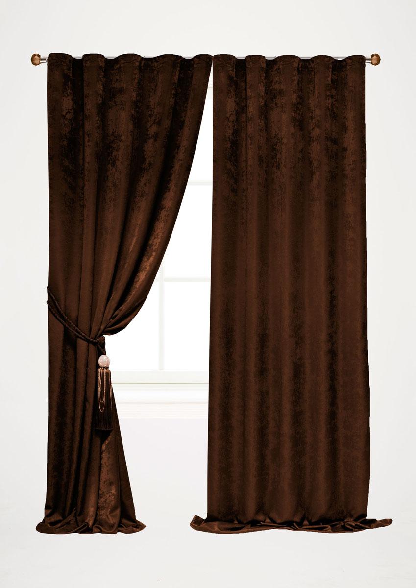 Штора готовая для гостиной Garden, на ленте, цвет: темно-коричневый, высота 260 см. С 535123 V2208С 535123 V2208Штора готовая для гостиной Garden выполнена из облегченного велюра (полиэстера). Богатая текстура материала и изысканная цветовая гамма привлекут к себе внимание и органично впишутся в интерьер помещения. Изделие оснащено шторной лентой для красивой сборки. Штора Garden великолепно украсит любое окно.