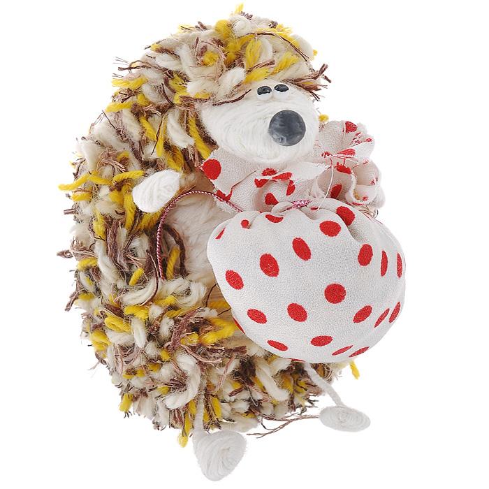 Авторская игрушка Ежик (Смешанная техника) - Ручная работа. Yi7Ys17102012-sonya.100.2Размер игрушки 12 см х 6,5 см х 6,5 см. Материалы: шерстяная нить, текстиль, проволока, полимерная глина. Ручная работа. Автор Sonya. Яркая авторская игрушка подарит позитив и отличное настроение, станет необычным и прекрасным сюрпризом для друзей и знакомых! Забавный вязаный сидячий ежик - великолепная идея для оригинального подарка, который не останется незамеченным!