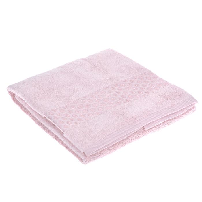 Полотенце махровое Okaliptus, цвет: Pink (розовый), 70 см х 140 смOkaliptus PinkМахровое полотенце Okaliptus, изготовленное из модала и хлопка, подарит вам невероятную мягкость и шелковистость. Модал вырабатывается из целлюлозы, получаемой из древесины эвкалиптового дерева. Разрывная прочность его выше, чем у вискозы, а по гигроскопичности он превосходит хлопок (почти в 1,5 раза). Полотенце из модала имеет маленький процент усадки, остается мягким после стирки за счет того, что гладкая поверхность модала не позволяет примесям (извести или моющему средству) оставаться на ткани. Полотенце оформлено красивым жаккардовым бордюром с орнаментом в виде сот. Махровое полотенце Okaliptus станет достойным выбором для вас и приятным подарком для ваших близких. Рекомендации по уходу: - стирать при температуре не выше 30°С; - не отбеливать; - гладить при температуре не выше 110°С; - химчистка с использованием углеводорода, хлорного этилена, монофтортрихлорметана; - не выжимать и не сушить в стиральной машине.
