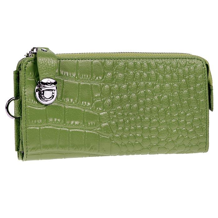 Кошелек Cheribags, цвет: зеленый. 04K-5130-1404K-5130-14Стильный кошелек Cheribags изготовлен из натуральной кожи зеленого цвета с декоративным тиснением под рептилию и вмещает в себя купюры в развернутом виде в полную длину. Кошелек закрывается на металлическую молнию. Бегунок оснащен удобным кожаным держателем, который можно закрепить на передней стенке металлической застежкой-клапаном. Внутри содержится четыре отделения для купюр, два потайных кармана для бумаг, четыре кармашка для кредитных карт и отделение для мелочи на застежке-молнии. В комплекте ремешок для запястья, крепящийся при помощи карабина. На задней стенке внешней стороны кошелька расположен карман на молнии. Такой кошелек станет замечательным подарком человеку, ценящему качественные и практичные вещи.