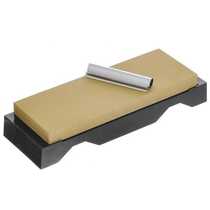 Камень точильный Tojiro Togi Zyozi, финишный, # 3000QA-0222Точильный камень Tojiro Togi Zyozi предназначен для заточки кухонных ножей. Камень имеет мелкозернистую поверхность, которая подходит для окончательной заточки и полировки лезвия. Перед использованием камень необходимо замочить в воде на 3-5 минут. Точильный камень закреплен на пластиковой подставке. Характеристики: Материал: абразивные материалы, пластик, металл. Размер камня: 18,5 см х 6,5 см х 1,5 см. Зернистость: # 3000. Размер упаковки: 22 см х 7 см х 4 см. Артикул: QA-0222.