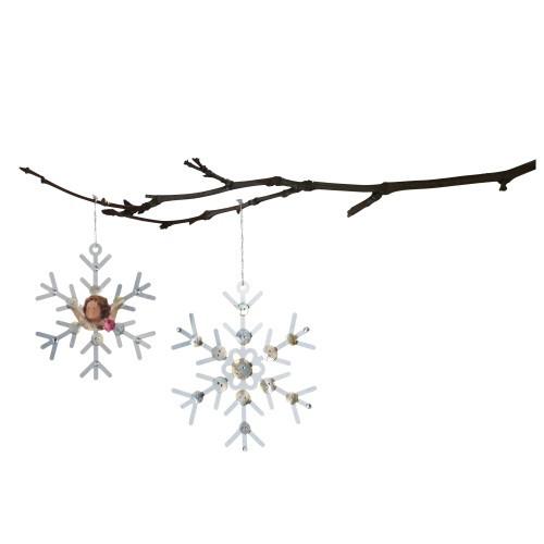 Снежинки декоративные Tilda, 2 шт. 480498480498Набор декоративных снежинок Tilda выполнен из металла и прекрасно подойдет для оформления творческих работ в технике скрапбукинга и создания оргинальных дизайнерских решений.
