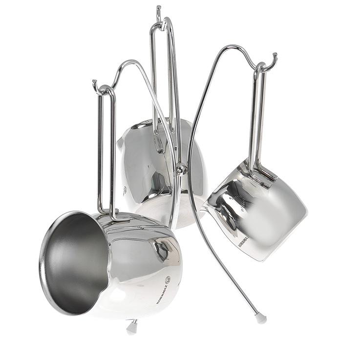 Набор турок Korkmaz Tombik на подставке, 3 штA1217Набор Korkmaz Tombik состоит из трех турок разной вместимости (5, 4 и 3 чашки кофе), идеально подходящих для приготовления кофе. Изделия выполнены из высокопрочной хромо-никелевой нержавеющей стали марки 18/10. Никелевое покрытие придает блеск и повышает устойчивость к внешней среде, высоким температурам и агрессивным моющим средствам. Турки оснащены носиками и эргономичными ненагревающимися ручками. Внешняя поверхность зеркальная, внутренняя матовая. Отполированные до блеска поверхности длительное время сохранят яркость. В комплекте - подставка с тремя крючками, на которую вешаются турки. Для предотвращения скольжения по поверхности столешницы подставка оснащена резиновыми накладками. Можно использовать на газовых, электрических, стеклокерамических, галогенных, индукционных плитах. Можно мыть в посудомоечной машине. Во время мытья не следует применять жесткую металлическую щетку или агрессивные моющие средства во избежание появления царапин и потери блеска...