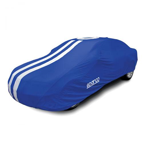 Чехол-тент на автомобиль Sparco, морозоустойчивый, цвет: синий. Размер XXL2SPC/COV-700 BL (XXL2)Чехол-тент на автомобиль Sparco - это удобная и выгодная альтернатива частому посещению автомоек и дорогостоящей полировке кузова. Он особенно актуален для тех автовладельцев, кто часто оставляет автомобиль под открытым небом. Чехол надежно оберегает поверхность автомобиля от влаги, пыли, солнечного ультрафиолета, осадков, следов насекомых, птиц, почек деревьев и прочих загрязнений. В качестве материала используется толстый, но очень мягкий полиэстер с ПВХ-покрытием, который не оставляет потертостей и царапин на лакокрасочном покрытии и эффективен при любых погодных условиях. Кроме того, такой чехол можно использовать зимой, так как он морозоустойчивый. Максимальную прочность изделию придают двойные швы. Чехлы выпускаются в пяти размерах, учитывающих не только габариты автомобиля, но и его тип кузова. Правильно подобранный чехол надевается на автомобиль без каких-либо затруднений. Плотные эластичные края надежно фиксируют изделие на кузове. При этом в свернутом виде чехол...