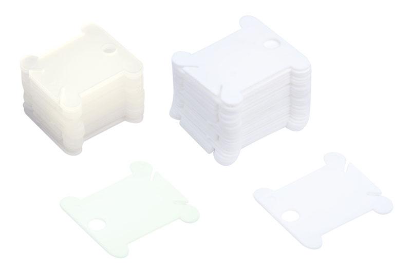 Шпули для ниток мулине Белоснежка, цвет: белый, прозрачный, 50 штШпули пластиковые 50 шт. (белый+прозрачный)Универсальные шпули Белоснежка, изготовленные из пластика прозрачного и белого цвета, позволят удобно хранить нити для вышивания. На каждую шпулю помещается один полный моток мулине. Внизу шпули находятся два среза, которые позволяют закрепить нити. Закрепите один конец в начале и второй в конце.