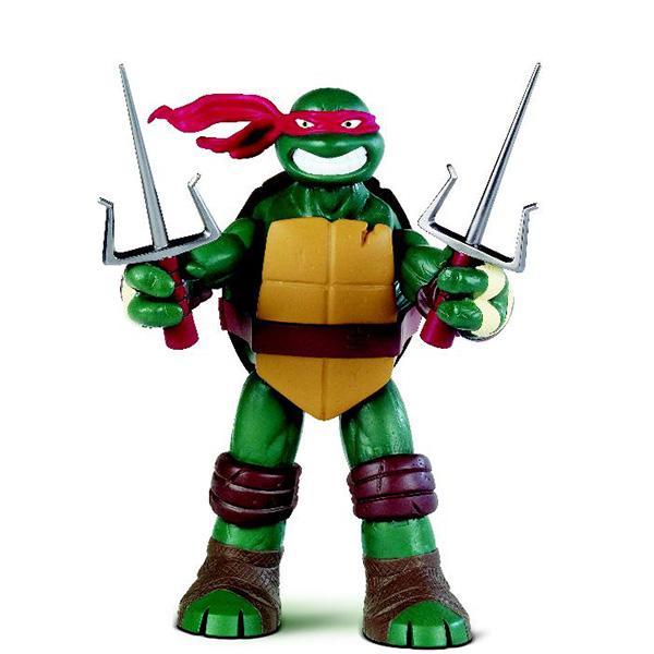Фигурка Turtles Рафаэль, 26 см91223Фигурка Turtles Рафаэль станет прекрасным подарком для вашего ребенка. Она выполнена из прочного пластика в виде персонажа команды TMNT - Черепашки-Ниндзя Рафаэля. Голова, руки и ноги фигурки подвижны, что позволит придавать Рафаэлю различные позы. В комплект входят два меча, два сюрикена и два колющих оружия, которые можно спрятать в боевом панцире Рафаэля. Вооруженные до зубов огромные Черепашки с пуленепробиваемыми панцирями победят любого монстра, встретившегося у них на пути! Ваш ребенок будет часами играть с этой фигуркой, придумывая различные истории с участием любимого героя. Они подверглись мутации и обучались искусству ниндзюцу у великого сэнсэя Сплинтера. Черепашки-Ниндзя готовы выбраться из своего секретного убежища и спасти мир от сил зла! Черепашки-Ниндзя впервые появились на страницах комиксов в далеких 80-х. Черепашки перебрались на телевидение по воле студии Murakami-Wolf-Swenson (MWS) и продолжали радовать своих поклонников в течение десяти...