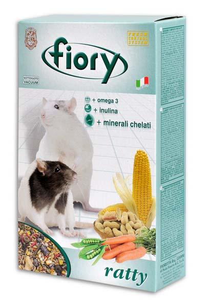 Смесь для крыс Fiory Ratty, 850 г06508Смесь для крыс Fiory Ratty была специально разработана для домашних крыс. Для того чтобы обеспечить разнообразную и сбалансированную диету, были включены продукты, которые по своим характеристикам, помимо того, что обеспечивают полноценный ежедневный рацион, превращают процесс питания в требующее времени занятие. Крокетки, зерновые, фрукты и овощи гарантируют волокна, белки, жиры и углеводы. Также в состав вошли такие вкусные продукты, как арахис, морковь и горох. Другой характеристикой смеси является добавление гранул, богатых: омега 3, которая регулирует уровень жиров, присутствующих в крови, поддерживает и укрепляет клеточные мембраны; инулином, вырабатывающим в кишечнике животных органический субстрат, необходимый для роста полезных микроорганизмов (bifidobacteria и lactobacilli), которые препятствуют деятельности вредных бактерий; келатными минералами. Обладают многообразным иммуностимулирующим действием, способствующим развитию клеток. ...