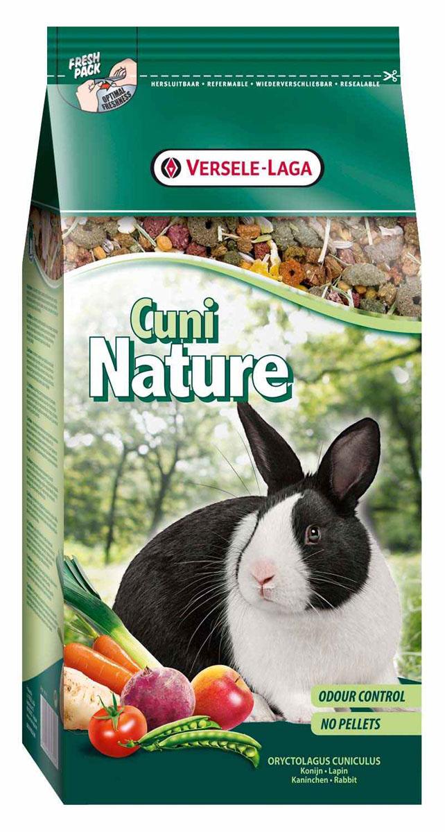 Корм для кроликов Versele-Laga Cuni Nature, 750 г461350Versele-Laga Cuni Nature - это полноценный основной корм для кроликов и карликовых кроликов, разработанный с учетом их пищевых потребностей. Это высококачественная смесь природных компонентов, которая содержит все необходимые для организма питательные вещества, витамины, минералы и аминокислоты, необходимые для жизнерадостной и здоровой жизни вашего питомца. Versele-Laga Cuni Nature содержит дополнительное количество клетчатки, трав, овощей, фруктов и добавок, важных для здоровья: обеспечивает превосходное пищеварение, гигиену полости рта, сияющую шерсть и великолепное здоровье. Широкое разнообразие ингредиентов гарантирует превосходный вкус и усвояемость. Не содержит прессованных гранул! Указания к использованию В зависимости от размера, породы и возраста кролика рекомендуемая дневная порция составляет от 50 до 80 грамм. Обеспечивайте вашему питомцу свежий корм и питьевую воду ежедневно. Также предоставьте достаточное количество сена. ...