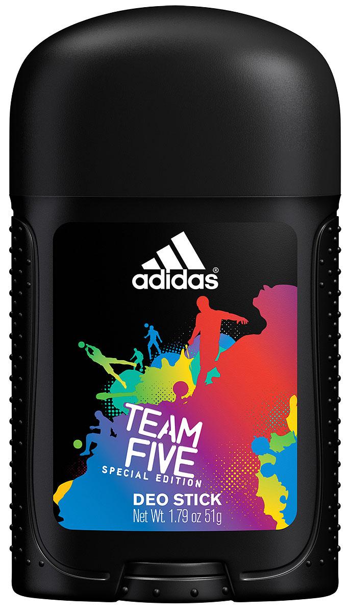 Adidas Дезодорант-стик Team Five, мужской, 51 г3400039282Уникальная формула обеспечивает ощущение свежести и защиту от неприятного запаха в течение 24-х часов. Комплекс фарнезол, оказывает мягкое антибактериальное действие, позволяющее быть высокоэффективным средством в защите от запаха пота.