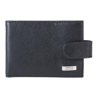 Футляр для карточек Tirelli Классик, цвет: черный. 15-313-0715-313-07Футляр для карточек Tirelli Классик изготовлен из натуральной кожи черного цвета с матовой текстурой. Футляр закрывается хлястиком на кнопку, оформлен фирменным логотипом. Внутри имеется 10 двусторонних кармашков из прозрачного пластика для хранения пластиковых карт, визиток, дисконтных карт и т. п. Такой футляр не только поможет сохранить внешний вид ваших документов и защитит их от повреждений, но и станет ярким аксессуаром, который подчеркнет ваш образ. Изделие упаковано в подарочную коробку синего цвета с логотипом фирмы Tirelli.