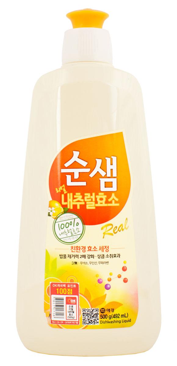 Средство для мытья посуды Soonsaem Натуральные ферменты, 500 мл979099Средство для мытья посуды Soonsaem Натуральные ферменты имеет следующие особенности: - содержит натуральные природные очищающие компоненты; - благодаря применению системы экоферментного очищения, средство тщательно удаляет жир, а также крахмальные загрязнения; - благодаря содержанию природных витаминов, лимонной кислоты и компонента лимона средство избавляет от запаха, а также увлажняет кожу рук после мытья посуды; - благодаря специальной системе (отсутствие красящего вещества, отсутствие фосфорной кислоты, отсутствие компонента парабена) средство безопасно для человека и окружающей среды; - подходит для мытья фруктов и овощей. Товар сертифицирован.