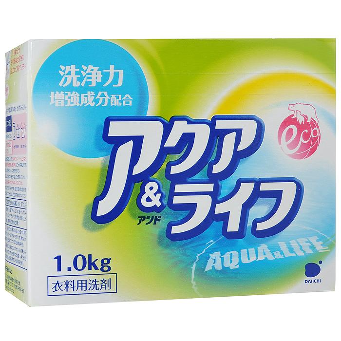 Стиральный порошок Daiichi Аква Лайф, 1 кг33006Стиральный порошок Daiichi Аква Лайф предназначен для стирки хлопчатобумажных, льняных и синтетических тканей, для белого и цветного белья. Содержит кислород, который быстро и эффективно очищает загрязненную ткань, расщепляет грязь на мелкие частицы. Эффективная стирка достигается также за счет проникновения средства вглубь волокон и расщепления грязи с помощью энзимов и элементов, усиливающих отстирывающую способность. Средство не только идеально подходит для белого и цветного белья, но и обладает способностью восстанавливать цвет тканей. Рекомендуется использовать для отстирывания старых, въевшихся пятен на манжетах, воротниках, простынях и т. п. Экологически чистый продукт, безопасен при контакте с кожей, не сушит и не раздражает кожу рук во время стирки. Не рекомендуется использовать для изделий неярких и приглушенных тонов, т.к. в составе присутствуют оптические отбеливающие вещества. Подходит для замачивания, ручной стирки и машинной стирки (для всех типов стиральных...