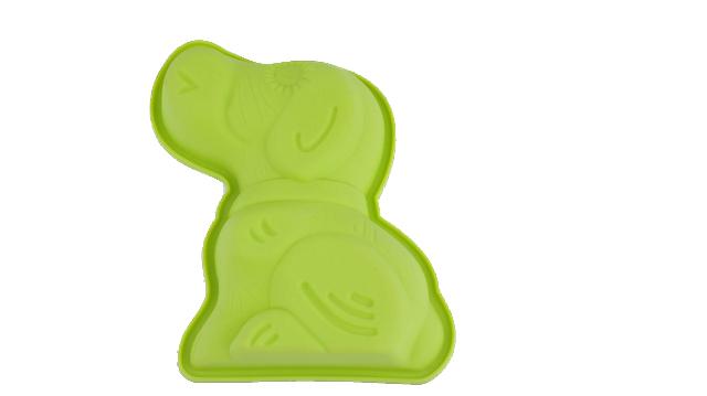 Форма для выпечки Bekker Собачка, цвет: салатовыйBK-9466Форма для выпечки Bekker Собачка изготовлена из цветного силикона - материала, который выдерживает температура от -50°С до +250°С. Изделия из силикона очень удобны в использовании: пища в них не пригорает и не прилипает к стенкам, легко моется, приготовленное блюдо можно очень просто вытащить, просто перевернув форму, при этом внешний вид блюда не нарушится. Изделие обладает эластичными свойствами: складывается без изломов, восстанавливает свою первоначальную форму. Подходит для приготовления в микроволновой печи и духовом шкафу при нагревании до +250°С; для замораживания до -50°С и чистки в посудомоечной машине. Рекомендации по использованию: - не помещайте форму непосредственно на источник тепла (открытый огонь, гриль), - не используйте нож для резки продуктов в форме, - не используйте CRISP функцию при приготовлении в микроволновой печи, - не используйте для чистки абразивные средства, скребки и щетки. Характеристики: Материал:...