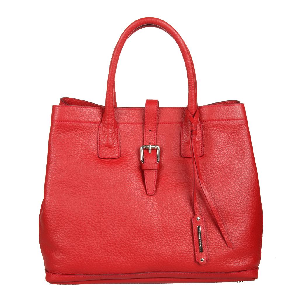 Сумка женская Gianni Conti, цвет: красный. 514571E Red514571E RedСтильная сумка Gianni Conti выполнена из натуральной кожи красного цвета. Сумка имеет одно отделение, которое закрывается пряжкой. Внутри расположена маленькая сумочка, которая крепится на кнопки, сумочка оснащена плечевым ремнем. Сумка оснащена удобными ручками, украшенными подвесным брелоком с символикой бренда и съемным плечевым ремнем. Сумка оснащена ножками для лучшей устойчивости. Фурнитура - серебристого цвета. Сумка - это стильный аксессуар, который подчеркнет вашу индивидуальность и сделает ваш образ завершенным. Характеристики: Материал: натуральная кожа, текстиль, металл. Цвет: красный. Размер сумки: 44 см х 29 см х 13 см. Высота ручек: 15 см. Длина плечевого ремня: 126 см. Размер сумки: 22,5 см х 19 см х 1 см. Артикул: 514571E Red.