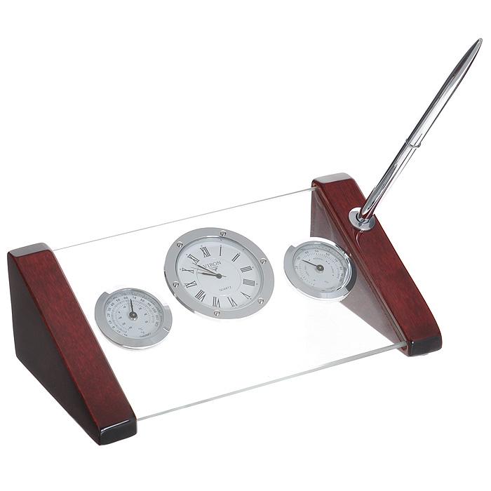 Настольный подарочный набор Viron: часы, термометр, гигрометр. 2825328253Настольный подарочный набор Viron представляет собой планку из прочного стекла на деревянном лакированном основании красно-коричневого цвета. На стеклянной подставке помещены часы, термометр и гигрометр. На одном из деревянных ножек имеется отверстие для ручки. Настольный подарочный набор Viron станет замечательным подарком деловому человеку, начальнику, вашему бизнес-партнеру. Он подчеркнет стиль и вкус его будущего владельца. В комплект входит металлическая пластинка для гравировки и металлическая шариковая ручка. Продукция немецкой компании Viron известна во всем мире. Это красивые, оригинальные аксессуары и предметы обихода, которые выделяются лаконичностью форм, многофункциональностью, практичностью, непревзойденным немецким качеством и утонченным стилем.