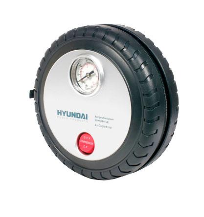 Компрессор HYUNDAI. HHY 20HHY 20Компрессор Hyundai предназначен для накачивания автомобильных, мотоциклетных и велосипедных шин, надувного спортинвентаря. Современный, удобный и простой в применении компрессор с расширенной комплектацией - игла для накачки мячей, насадки для надувных изделий, сумка для хранения. Работает от гнезда прикуривателя с напряжением 12 В. Особенности компрессора: Портативный компрессор в корпусе Мощный электродвигатель Разработан для подкачки шин Характеристики: Материал: пластик, металл. Размер компрессора: 16 см x 16 см x 5 см. Напряжение: 12-14 V. Время накачивания колеса размером R15/195/60 до 2,3 АТМ: 5 мин. Рабочий ток: Время непрерывной работы: 15 мин. Размер упаковки: 16,5 см x 7,5 см x 17 см. Производитель: Китай.